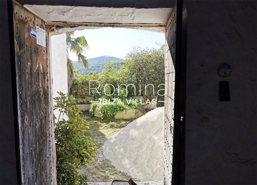 romina-ibiza-villas-rv-829-55-3interio view hills
