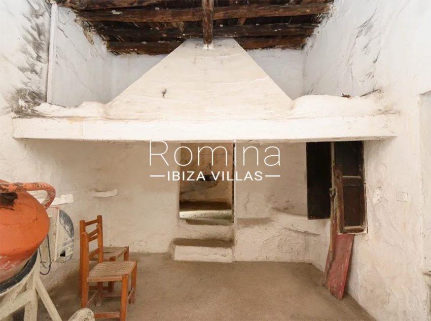 romina-ibiza-villas-rv-829-55-3interior hearth