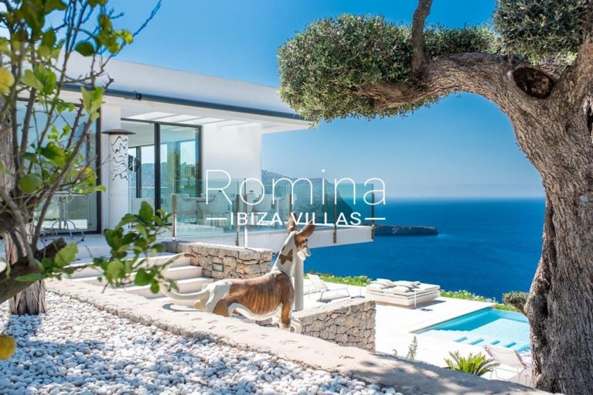 romina-ibiza-villas-rv-744-01-villa-deus-1terrace dog pool sea view