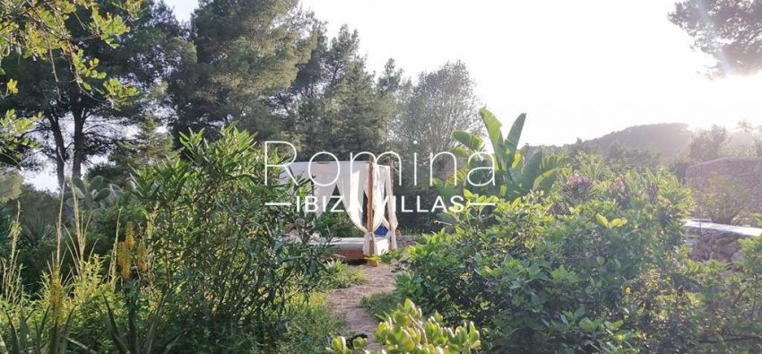 romina-ibiza-villas-rv-831-26-finca-serena-2garden chill out