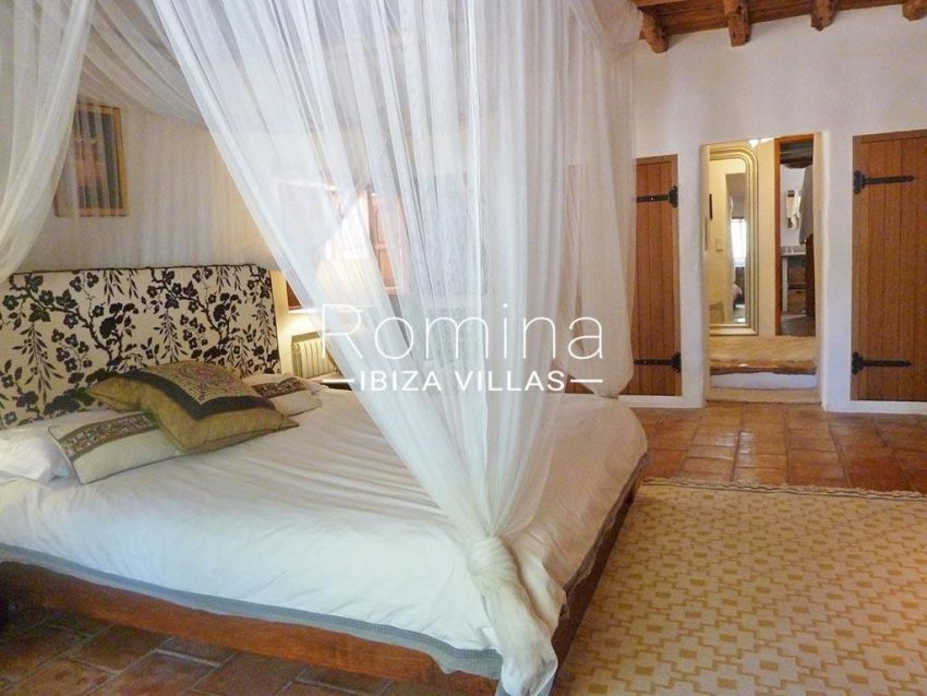 romina-ibiza-villas-rv-831-26-finca-serena-4bedroom2