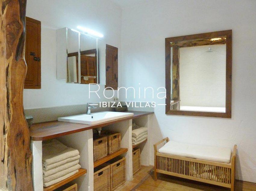 romina-ibiza-villas-rv-831-26-finca-serena-5sink bathroom2