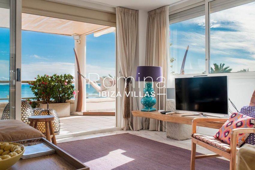 romina-ibiza-villas-rv-832-88-apto-bossa-vistas-3living room terrace sea view