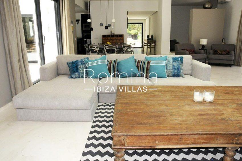 romina-ibiza-villas-rv-833-01-3living room