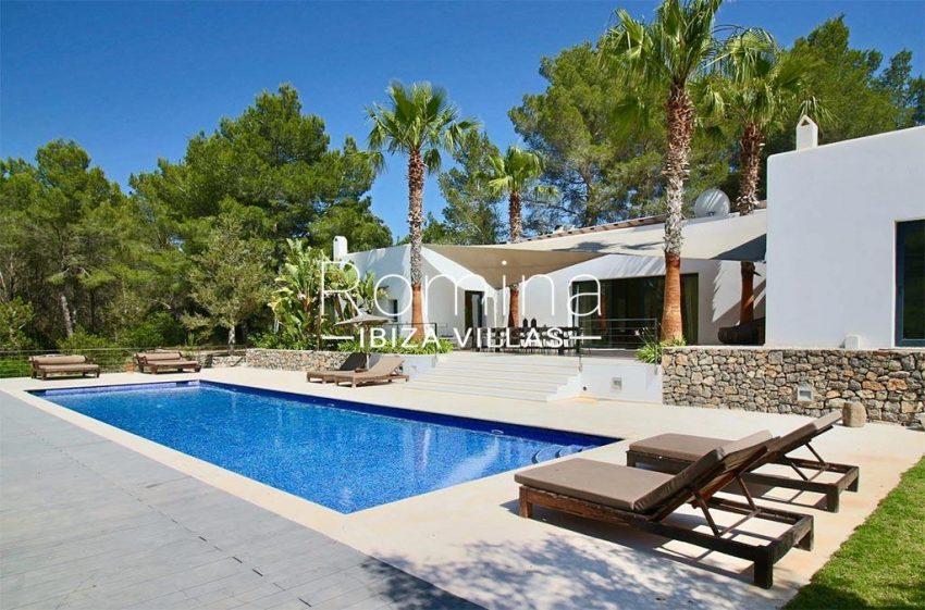 romina-ibiza-villas-rv-833-01-villa lua-2pool facade terraces