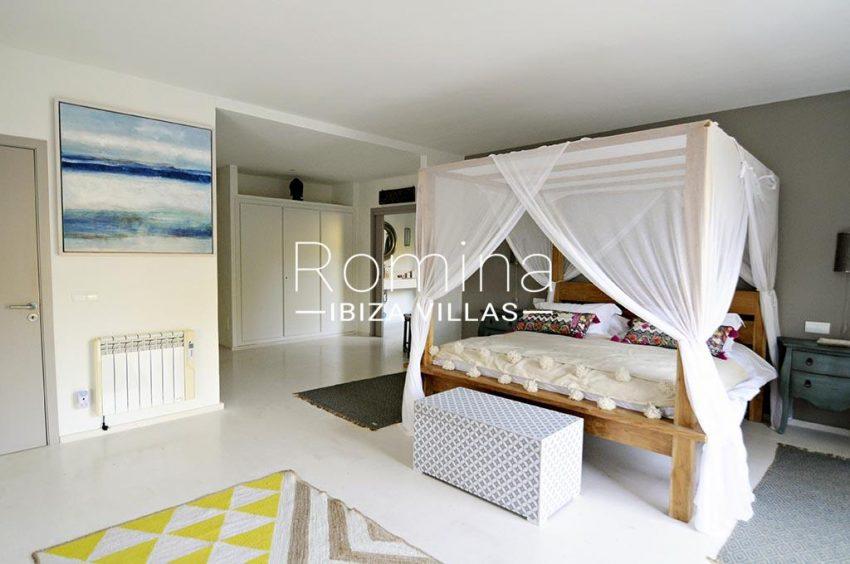 romina-ibiza-villas-rv-833-01-villa lua-4bedroom1ter