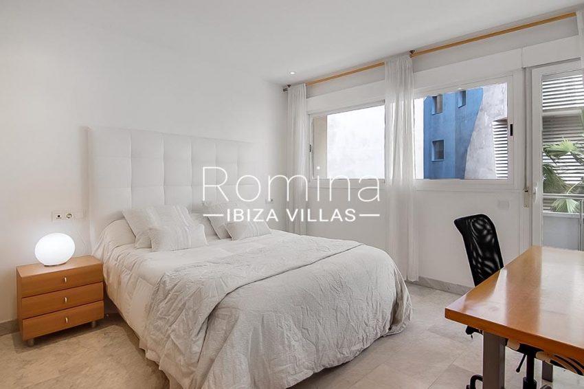romina-ibiza-villas-rv-834-13-apto-miramar-p-4bedroom