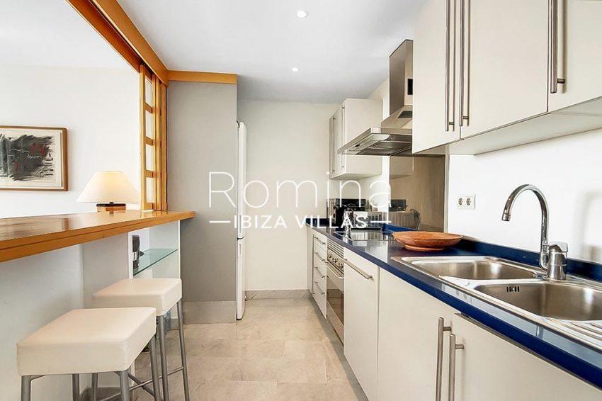romina-ibiza-villas-rv-836-13-apto-miramar-g-3zkitchen
