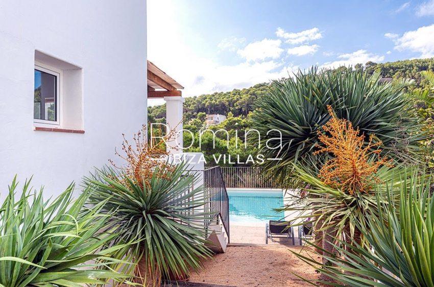 romina-ibiza-villas-rv-839-57-adosado-lila-2pool garden