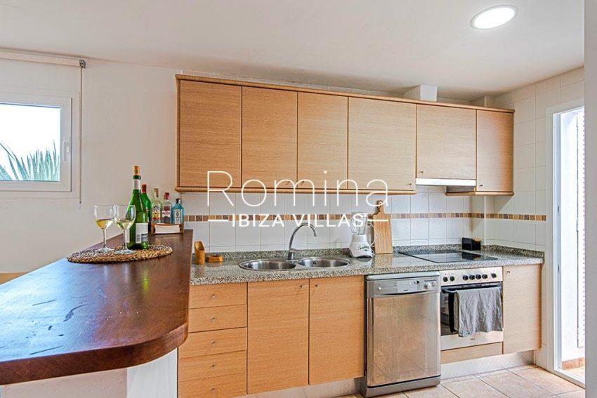 romina-ibiza-villas-rv-839-57-adosado-lila-3zkitchen