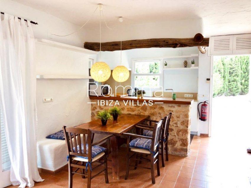 romina-ibiza-villas-rv-840-24-casa-sereia-3zkitchen dining area