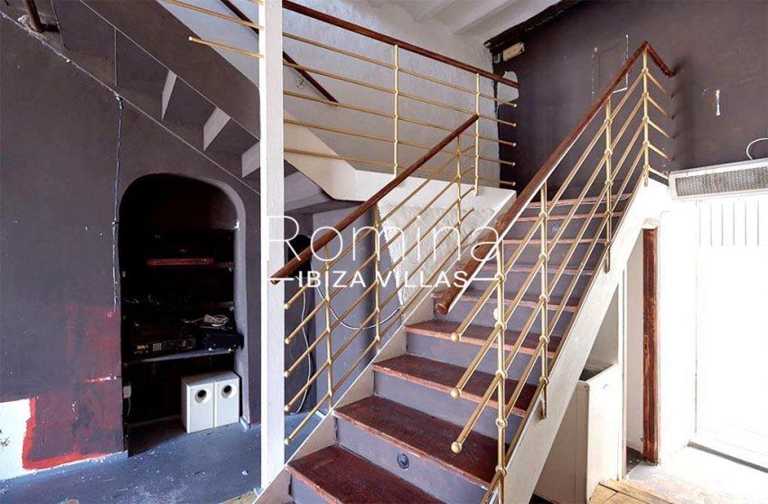romina-ibiza-villas-rv-846-81-casa-marina-3local bar stairs