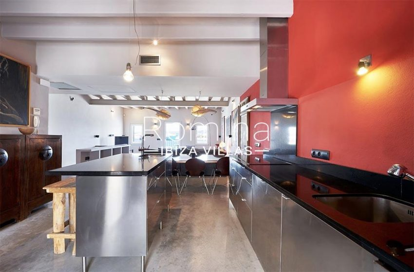romina-ibiza-villas-rv-846-81-casa-marina-3zktchen dining table2