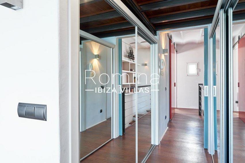 romina-ibiza-villas-rv-846-81-casa-marina-4dressing