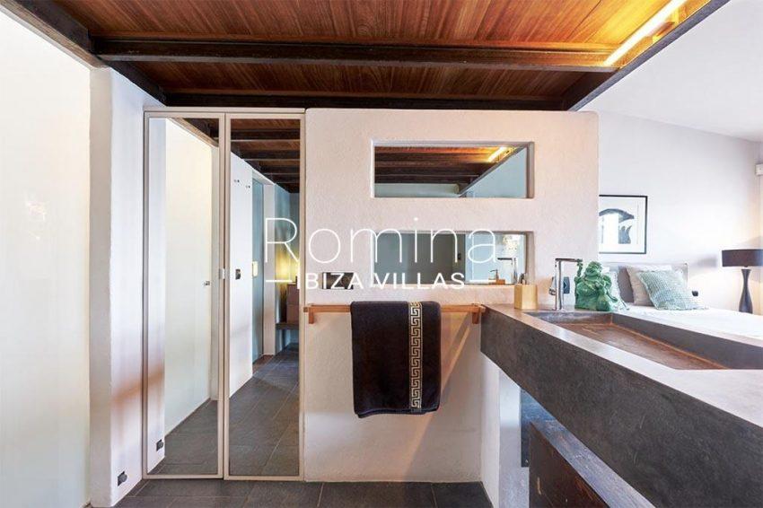 romina-ibiza-villas-rv-846-81-casa-marina-5bathroom2