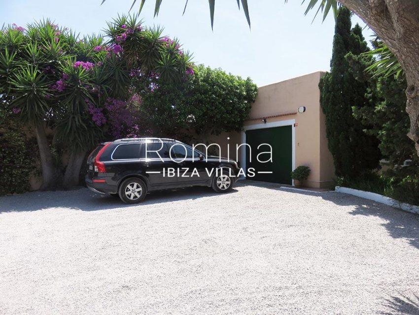 romina-ibiza-villas-rv-847-03-villa-magnolia-2garage