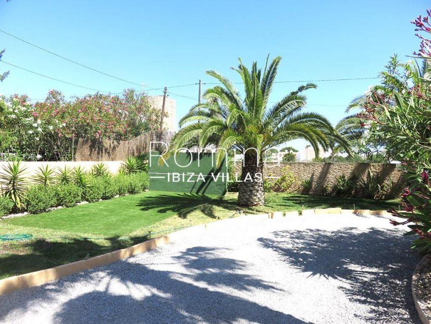romina-ibiza-villas-rv-847-03-villa-magnolia-2garden2