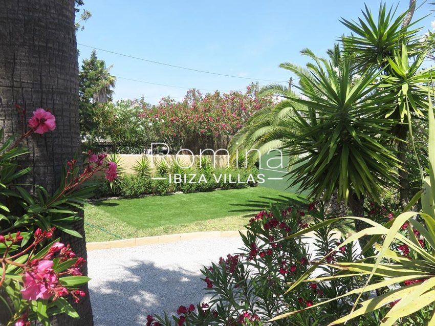 romina-ibiza-villas-rv-847-03-villa-magnolia-2garden3