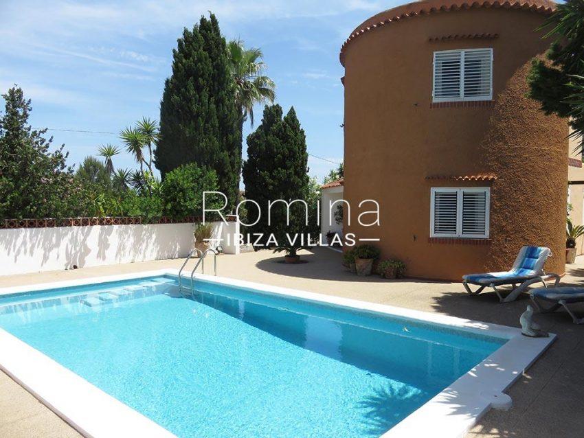 romina-ibiza-villas-rv-847-03-villa-magnolia-2pool garage