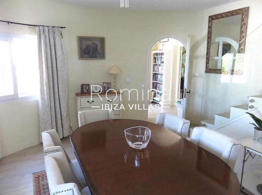 romina-ibiza-villas-rv-847-03-villa-magnolia-3zdining room tower2