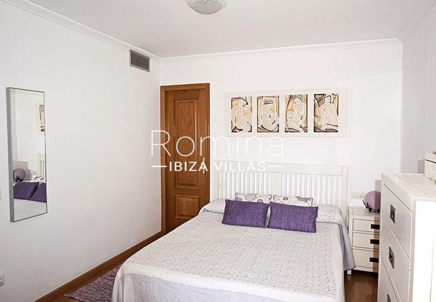 romina-ibiza-villas-rv-852-55-apto-clavel-4master bedroom