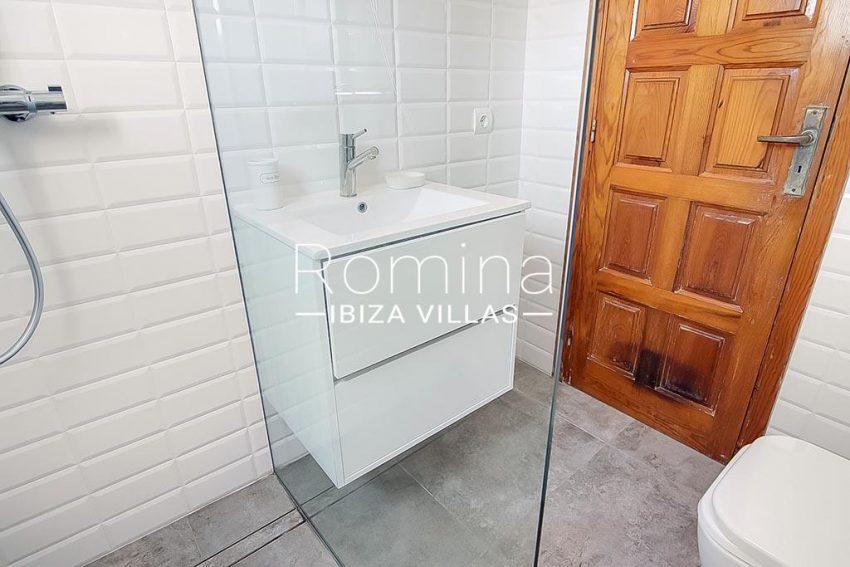 romina-ibiza-villas-rv-854-51-casa-vanda-5shower room2