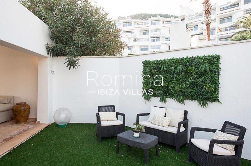 romina-ibiza-villas-rv-859-81-casa-begonia-2patio