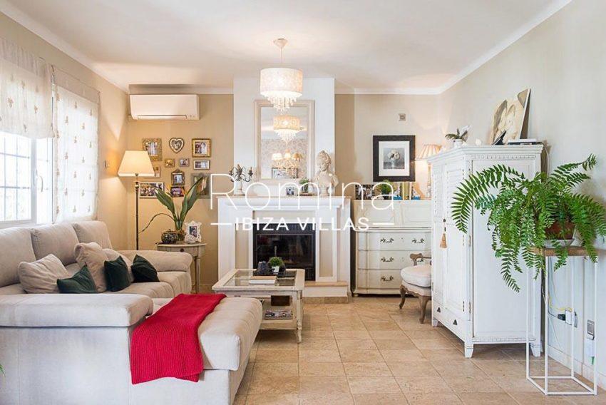 romina-ibiza-villas-rv-859-81-casa-begonia-3living room fireplace2