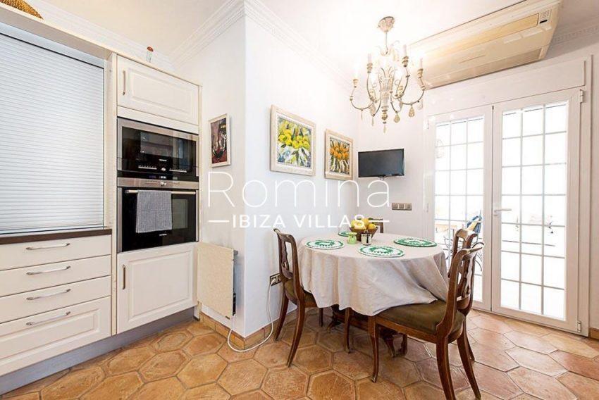 romina-ibiza-villas-rv-859-81-casa-begonia-3zkitchen dining area2