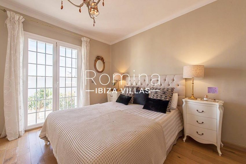 romina-ibiza-villas-rv-859-81-casa-begonia-4bedroom1