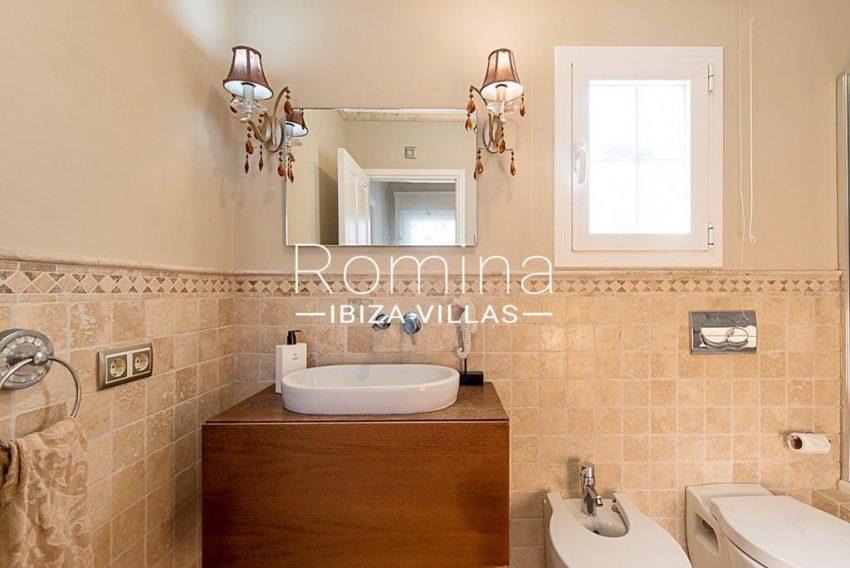 romina-ibiza-villas-rv-859-81-casa-begonia-5bathroom sink toilet