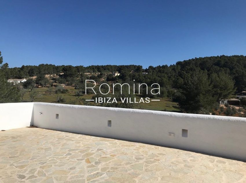 romina-ibiza-villas-rv-866-27-can-sabina-1rooftop terrace view countryside