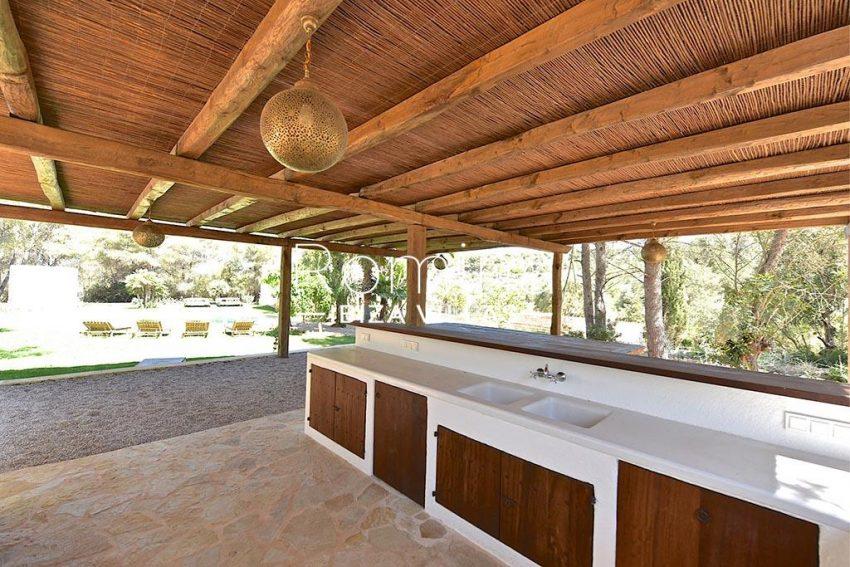 romina-ibiza-villas-rv-866-27-can-sabina-2pool house kitchen