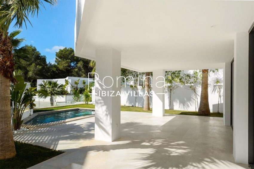 romina-ibiza-villa-rv-870-26-villa-novus-2pool terrace porch
