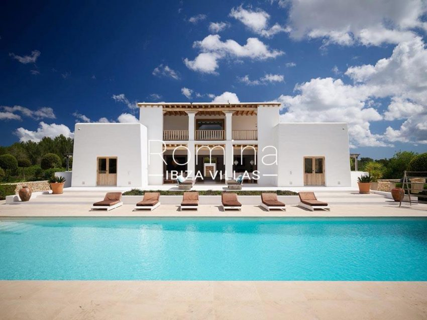 romina-ibiza-villas-rb-868-27-can-miklos-2pool facade
