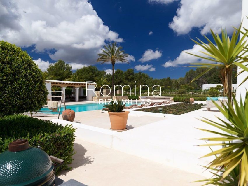 romina-ibiza-villas-rb-868-27-can-miklos-2pool terrace pool house