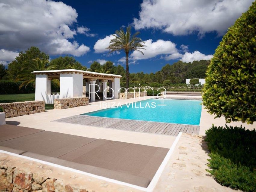 romina-ibiza-villas-rb-868-27-can-miklos-2pool terrace pool house2
