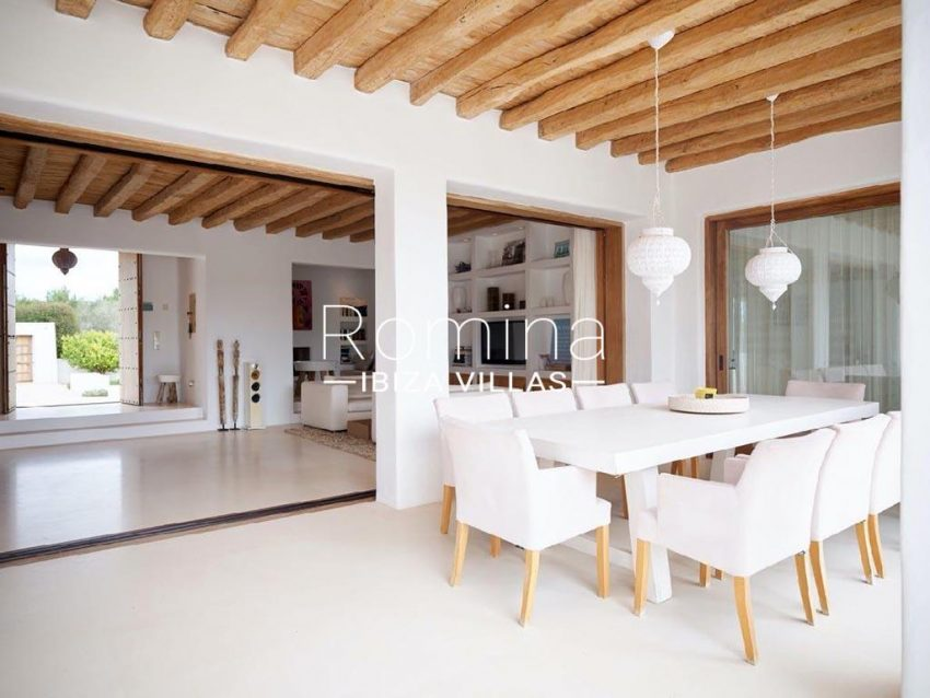 romina-ibiza-villas-rb-868-27-can-miklos-2porch dining area