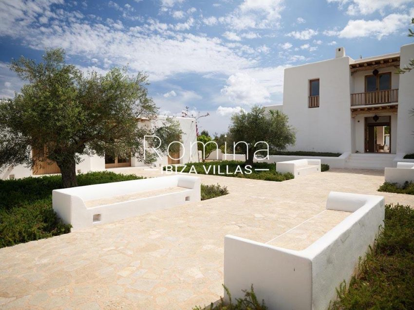 romina-ibiza-villas-rb-868-27-can-miklos-2terrace houses