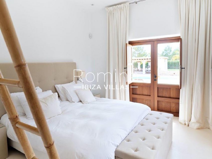 romina-ibiza-villas-rb-868-27-can-miklos-4bedroom2