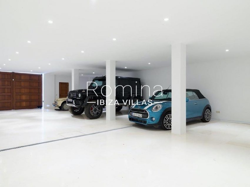 romina-ibiza-villas-rb-868-27-can-miklos-6garage
