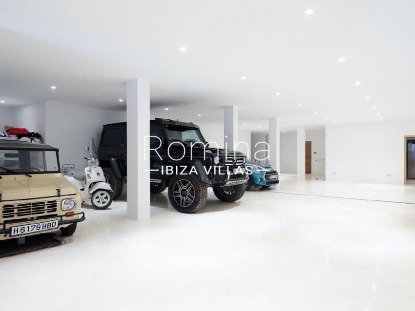 romina-ibiza-villas-rb-868-27-can-miklos-6garage bsasement