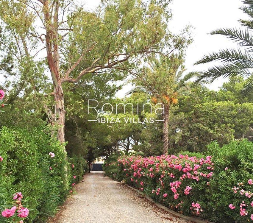 romina-ibiza-villas-rv-834-91-casa-blau-2entrance garden
