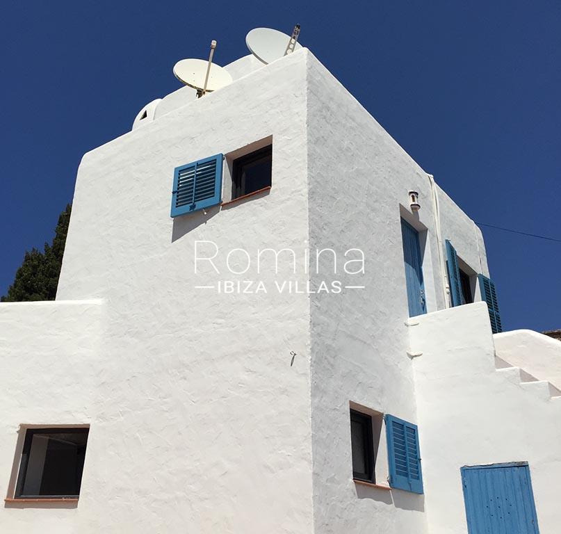 romina-ibiza-villas-rv-834-91-casa-blau-2facade detail