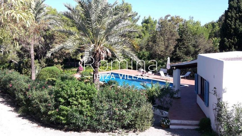 romina-ibiza-villas-rv-834-91-casa-blau-2pool garden