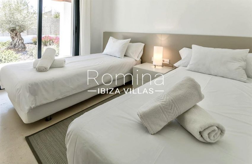 romina-ibiza-villas-rv-865-86-villa-melisa-4bedroom2