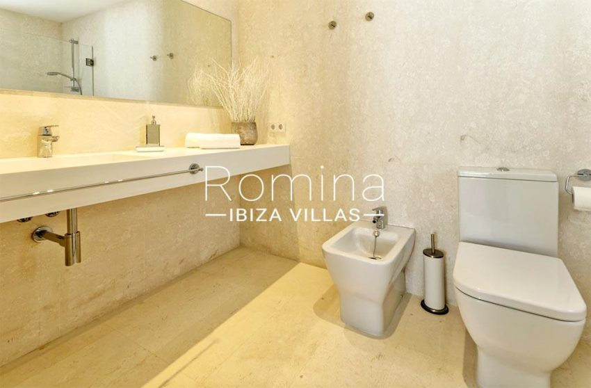 romina-ibiza-villas-rv-865-86-villa-melisa-5shower room