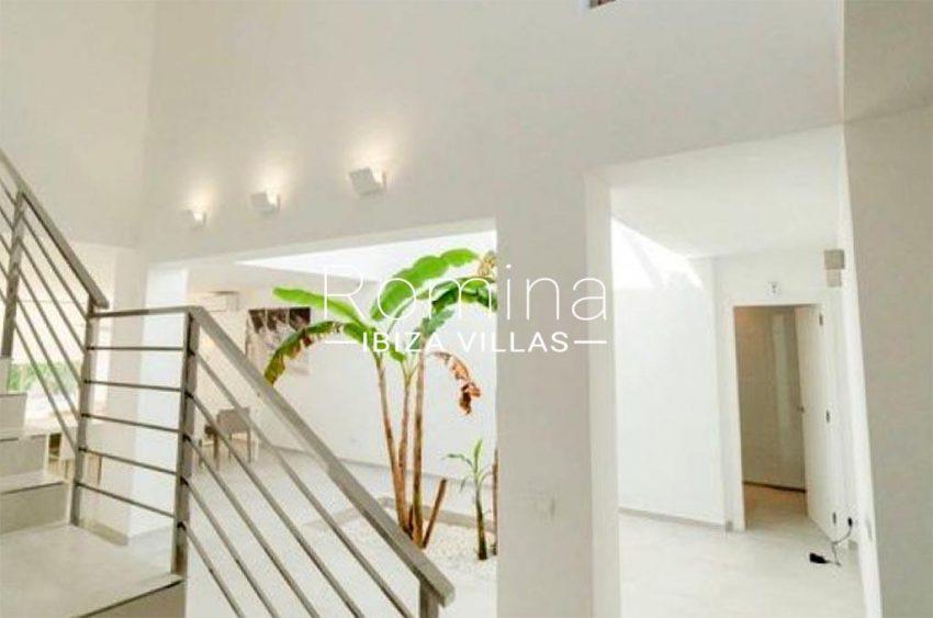 romina-ibiza-villas-rv-869-86-3entrance living room stairs