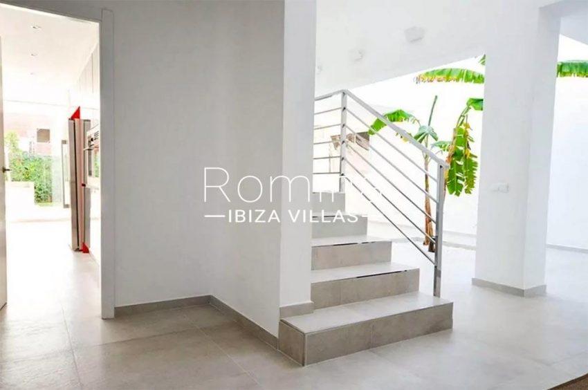 romina-ibiza-villas-rv-869-86-3entrance stairs kitchen