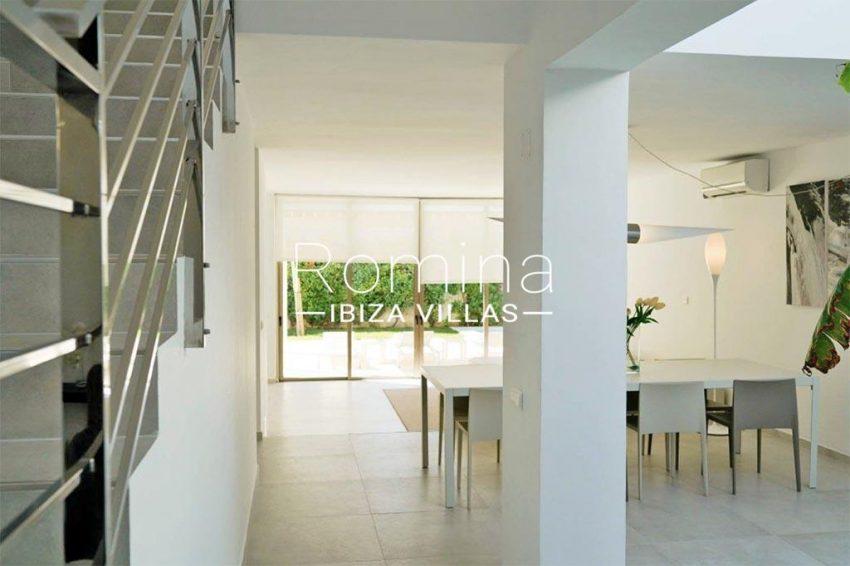 romina-ibiza-villas-rv-869-86-3zdining room